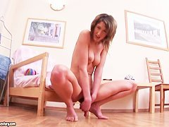 Renee shows her sissy and stretches in on camera
