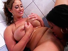 Eva Notty and Maserati lick in bathroom